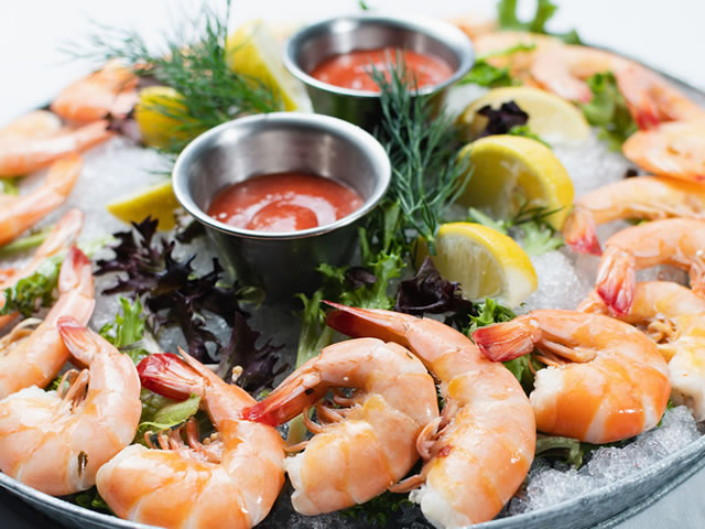 Light-seafood-waterfront-shrimp